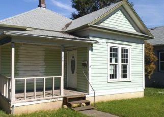 Casa en ejecución hipotecaria in Roseburg, OR, 97470,  SE PINE ST ID: F4147157