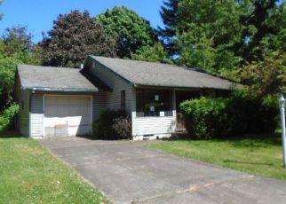 Casa en ejecución hipotecaria in Gresham, OR, 97030,  NE 17TH ST ID: F4147167