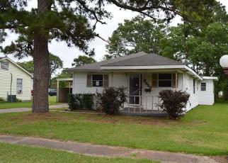 Casa en ejecución hipotecaria in Groves, TX, 77619,  VERDE ST ID: F4148414