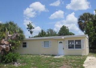 Casa en ejecución hipotecaria in North Fort Myers, FL, 33903,  HYACINTH ST ID: F4148499