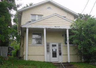 Casa en ejecución hipotecaria in Charleston, WV, 25302,  BEECH AVE ID: F4148763
