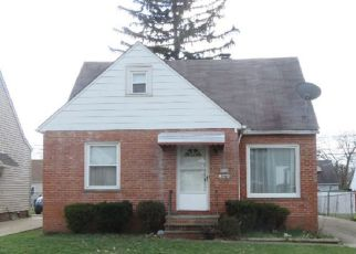 Casa en ejecución hipotecaria in Maple Heights, OH, 44137,  KREMS AVE ID: F4149602