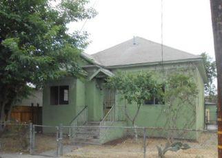 Casa en ejecución hipotecaria in Los Angeles, CA, 90011,  E 25TH ST ID: F4150610