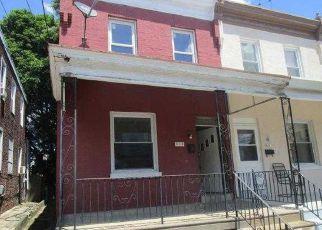 Casa en ejecución hipotecaria in Darby, PA, 19023,  DARBY TER ID: F4151547