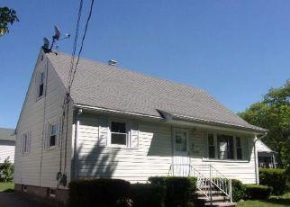 Casa en ejecución hipotecaria in East Providence, RI, 02914,  SWAN ST ID: F4151591