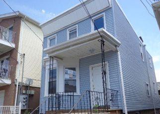 Casa en ejecución hipotecaria in Jersey City, NJ, 07305,  FULTON AVE ID: F4152474