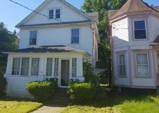 Casa en ejecución hipotecaria in Syracuse, NY, 13207,  ELMHURST AVE ID: F4152966