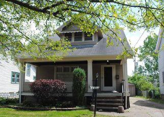 Casa en ejecución hipotecaria in Cleveland, OH, 44105,  REVERE AVE ID: F4154607