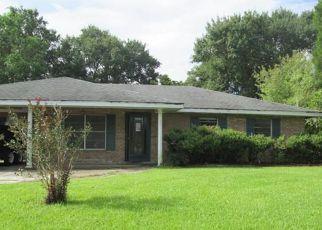 Foreclosure Home in Houma, LA, 70363,  KILLARNEY LOOP ID: F4154793