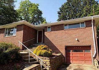 Casa en ejecución hipotecaria in Pittsburgh, PA, 15204,  KEDZIE ST ID: F4156944