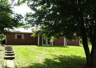 Casa en ejecución hipotecaria in Elizabethtown, KY, 42701,  SPORTSMAN LAKE RD ID: F4157809