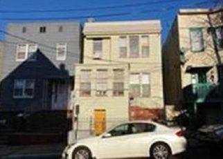 Casa en ejecución hipotecaria in Jersey City, NJ, 07305,  LEMBECK AVE ID: F4157921