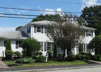 Casa en ejecución hipotecaria in Cranston, RI, 02920,  BUDLONG RD ID: F4158829