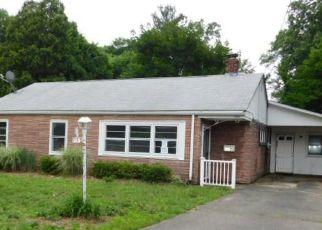 Casa en ejecución hipotecaria in East Hartford, CT, 06118,  GREENWOOD ST ID: F4158842