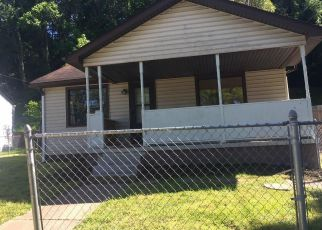 Casa en ejecución hipotecaria in Saint Albans, WV, 25177,  CAMPBELL LN ID: F4159070