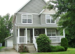 Casa en ejecución hipotecaria in Cleveland, OH, 44104,  E 108TH ST ID: F4160263