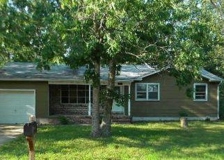 Casa en ejecución hipotecaria in Mays Landing, NJ, 08330,  11TH ST ID: F4160780