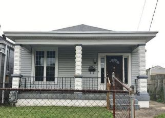 Foreclosure Home in Louisville, KY, 40212,  N 28TH ST ID: F4161056
