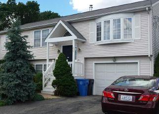 Casa en ejecución hipotecaria in Cranston, RI, 02920,  KEARNEY ST ID: F4161193