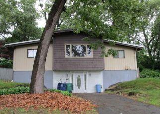Casa en ejecución hipotecaria in Warwick, RI, 02886,  NATICK AVE ID: F4161334