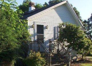Casa en ejecución hipotecaria in Waterbury, CT, 06705,  KENT ST ID: F4162726