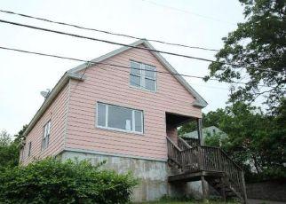 Casa en ejecución hipotecaria in Waterbury, CT, 06704,  GARDEN HILL CIR ID: F4163729
