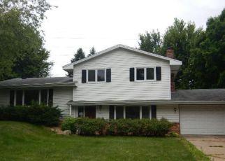 Casa en ejecución hipotecaria in Burnsville, MN, 55337,  CLARK ST ID: F4163905