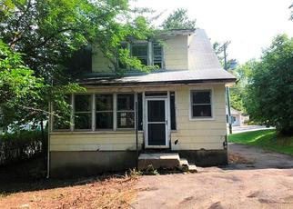 Casa en ejecución hipotecaria in Meriden, CT, 06450,  HALL AVE ID: F4189844