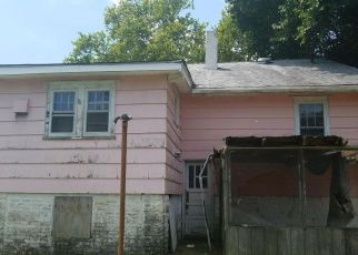 Casa en ejecución hipotecaria in Woodbury, NJ, 08096,  COLONIAL AVE ID: F4190133
