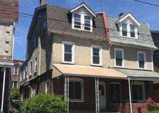 Casa en ejecución hipotecaria in Philadelphia, PA, 19144,  E WALNUT LN ID: F4191598