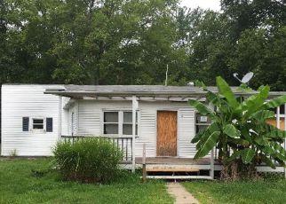 Casa en ejecución hipotecaria in Mathews Condado, VA ID: F4191838