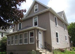 Casa en ejecución hipotecaria in Beaver Dam, WI, 53916,  WEST ST ID: F4191904