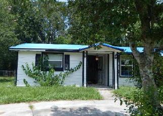 Casa en ejecución hipotecaria in Jacksonville, FL, 32208,  ARROWSMITH RD ID: F4192724