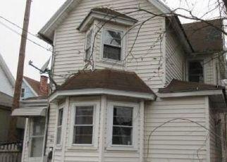 Casa en ejecución hipotecaria in New Haven, CT, 06513,  WOLCOTT ST ID: F4193845