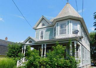Casa en ejecución hipotecaria in Rutland, VT, 05701,  ROBERTS AVE ID: F4194272
