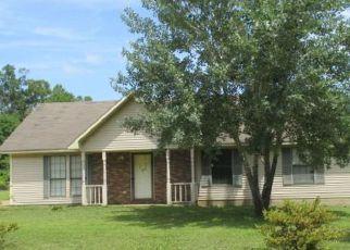 Foreclosure Home in Bolivar, TN, 38008,  HILLCREST CV ID: F4194508
