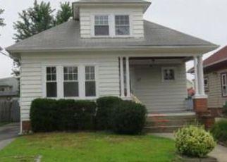 Casa en ejecución hipotecaria in Cranston, RI, 02910,  LEGION WAY ID: F4194563