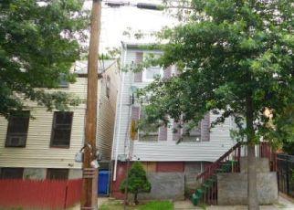 Casa en ejecución hipotecaria in Paterson, NJ, 07522,  CLINTON ST ID: F4195579