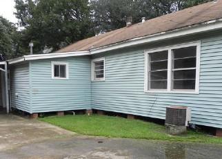 Casa en ejecución hipotecaria in Groves, TX, 77619,  MAIN AVE ID: F4195862
