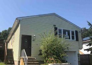 Casa en ejecución hipotecaria in New Haven Condado, CT ID: F4196233