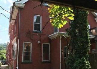 Casa en ejecución hipotecaria in Bethlehem, PA, 18015,  PAWNEE ST ID: F4197519