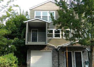Casa en ejecución hipotecaria in Portland, OR, 97266,  SE 87TH AVE ID: F4197545