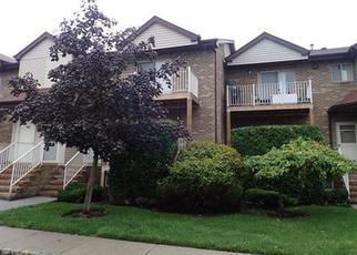 Casa en ejecución hipotecaria in North Brunswick, NJ, 08902,  BIRCHWOOD CT ID: F4198499