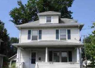 Casa en ejecución hipotecaria in East Hartford, CT, 06108,  LARAIA AVE ID: F4198622