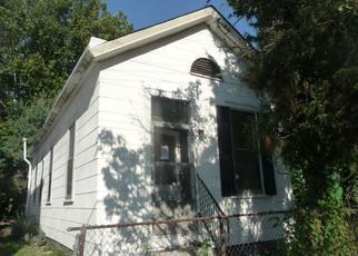 Casa en ejecución hipotecaria in Covington, KY, 41011,  SAINT CLAIR ST ID: F4199292