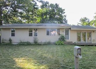 Casa en ejecución hipotecaria in Coventry, RI, 02816,  HARRINGTON RD ID: F4199815