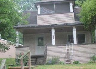 Casa en ejecución hipotecaria in Chemung Condado, NY ID: F4199893