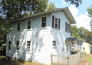 Casa en ejecución hipotecaria in Winston Salem, NC, 27127,  TRENT ST ID: F4199998