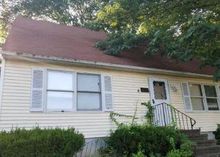 Casa en ejecución hipotecaria in New Haven, CT, 06513,  QUINNIPIAC AVE ID: F4200199