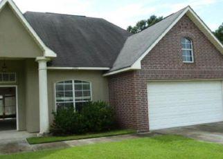 Foreclosure Home in Denham Springs, LA, 70726,  SPRINGHILL DR ID: F4201121